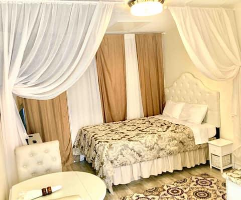 Romantic Getaway UCF-Unit A