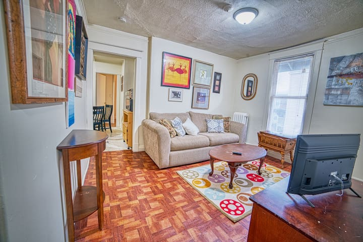 Relaxing 2BR Find on Quiet Street by NU w/Netflix