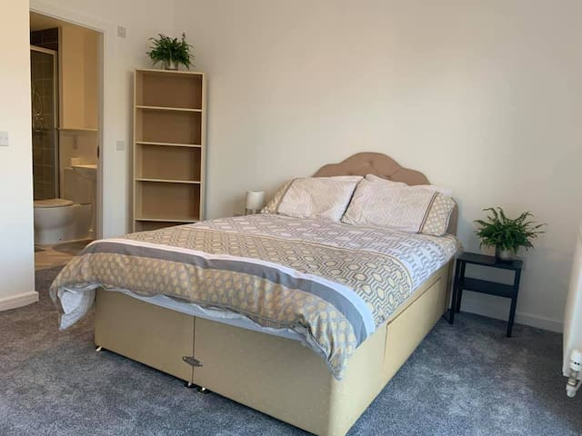 Bedroom with private bathroom in new build flat