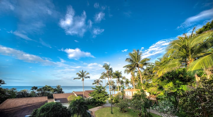 Modern, stylish 2-bed; sea views, pool & beach