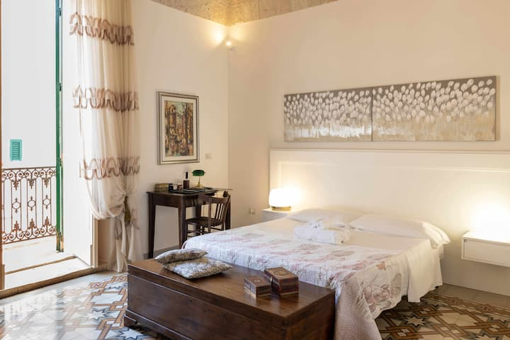 WePuglia - Catarì, tuff stone house with priv.terrace,city center,Wi-Fi,A/C