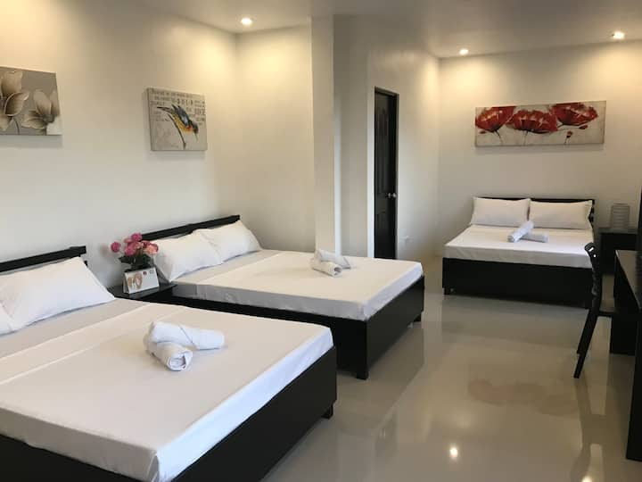Maniquiz Resort - One Antonio, Tanay (Room D)