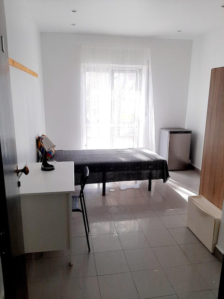 Modern Single Rooms II @ Carcavelos, Portugal