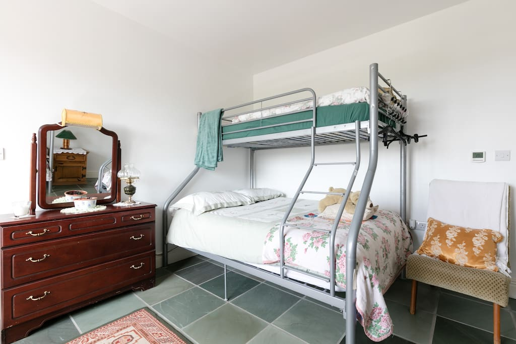 Room 4 - sleeps 5 including double