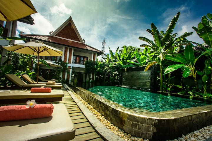 Deluxe Double with Pool View : Chez Moi Residence - Krong Siem Reap - Bed & Breakfast