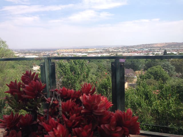 Spectacular Penthouse puts the City in your reach - Johannesburg - Rumah