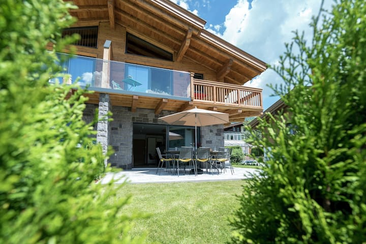 Luxurious Holiday Home in Piesendorf with Sauna