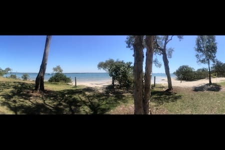Beachhouse on Bribie island - Banksia Beach