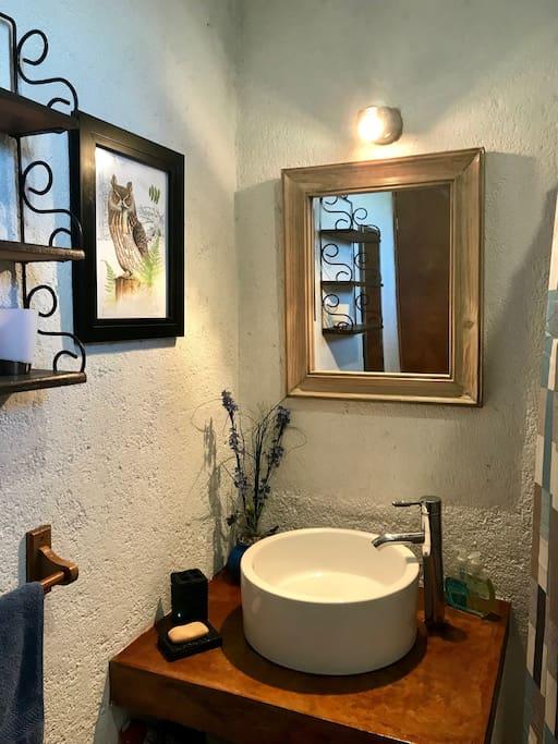 Baño de recámara principal.