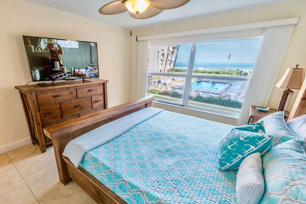 Wake up to views of the ocean.