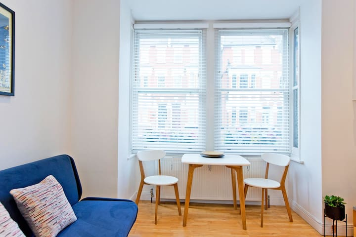 Cosy 1 bedroom Highbury Islington BOOK for Summer