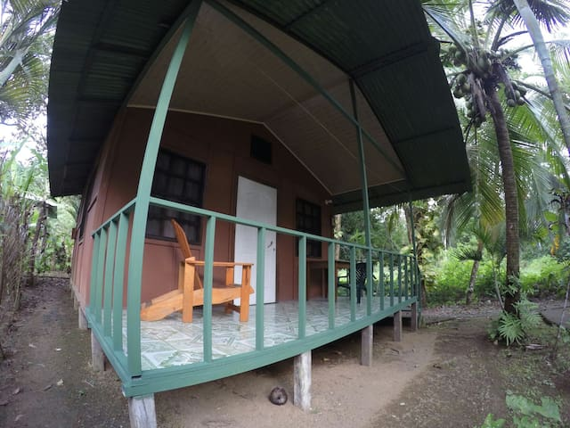 Jonny's cabins (rincón) drake bey.
