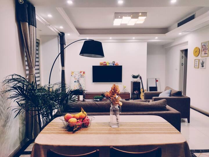 咸宁东站汽车站简约自住舒适二房加书房
