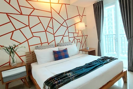 Jakarta Studio - Relaxed and Friendly