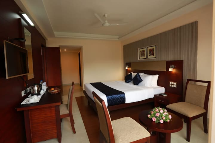 Green oasis- Deluxe Double Bed Room V, Non Ac