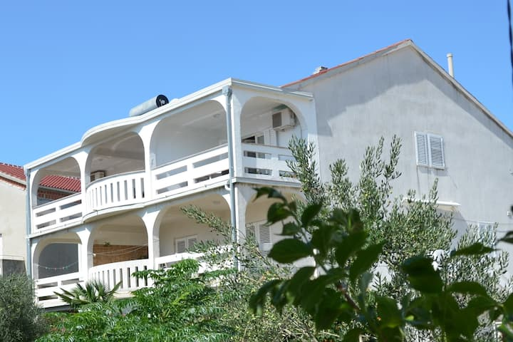 Apartments Admiral - Apartment Kamen Novalja