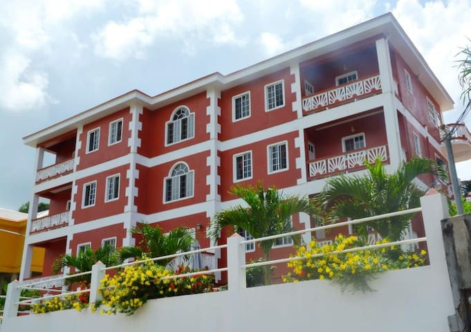 Gardenia Suites Apartments (LL)