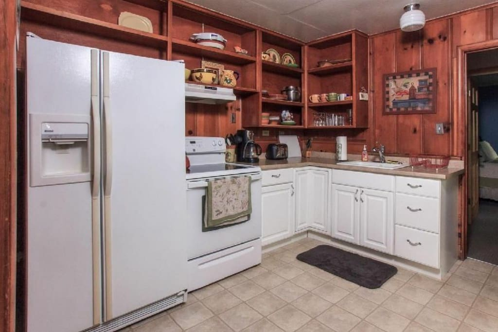 Quaint and functional kitchen with everything you need