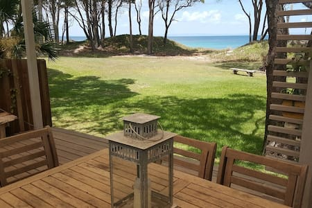 Absolute Beachfront villa  at Cowan Cowan - Moreton Island