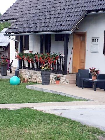 Apartman Perić 2 near Entrance 1