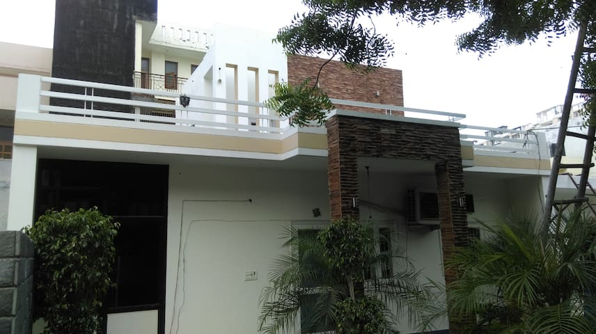 Luxirous Villa for peaceful stays & celebrations