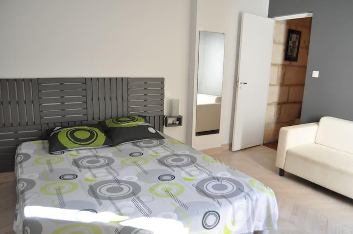 Chambre avec lit en 160*200.