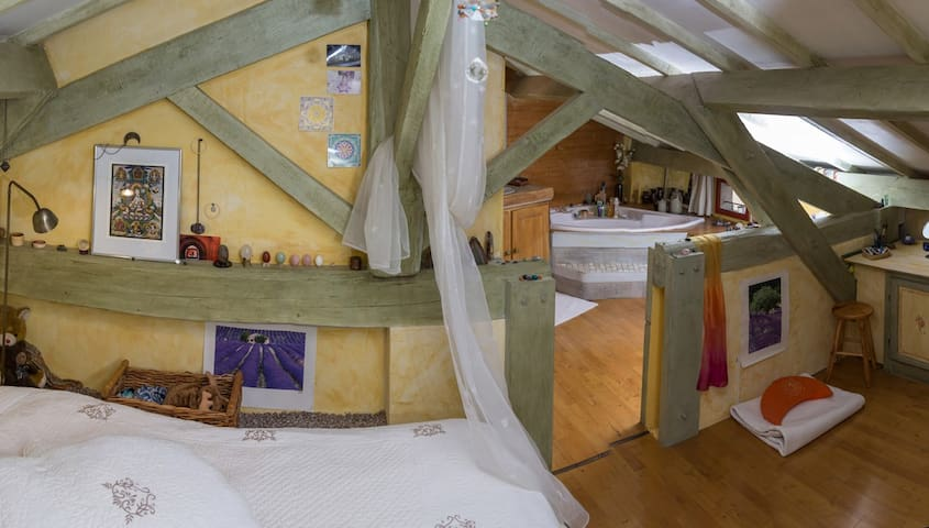 Maison de charme dans hameau calme - Brue-Auriac - Pension