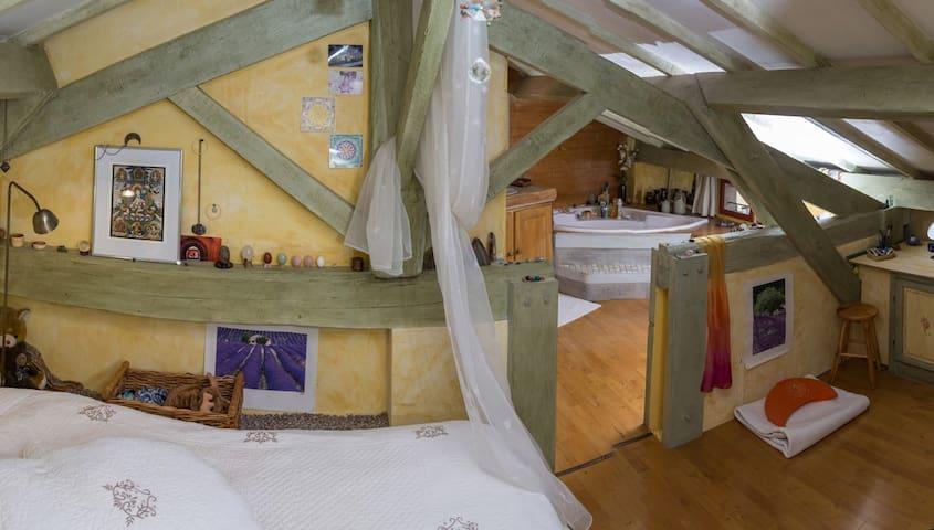 Maison de charme dans hameau calme - Brue-Auriac