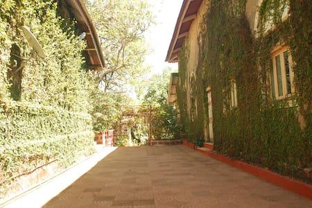 Private Room in AC Villa - Matheran - Villa