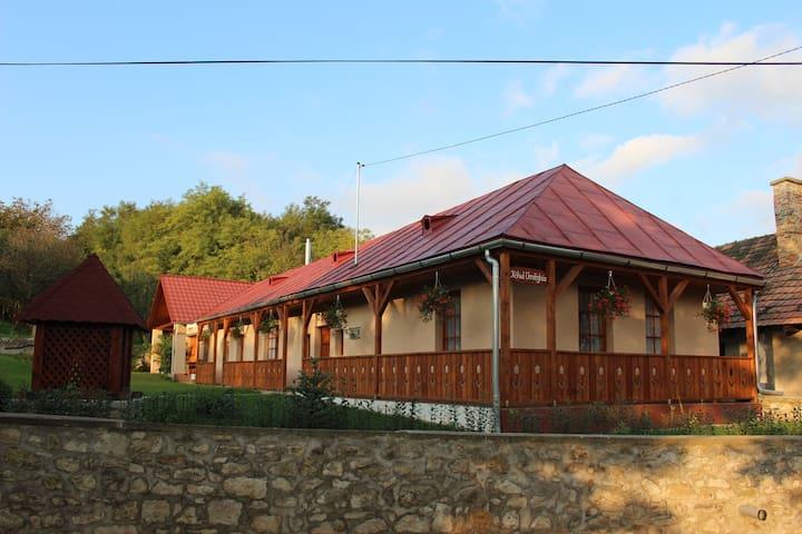 Kőhíd Vendégház - Abaújvár - House