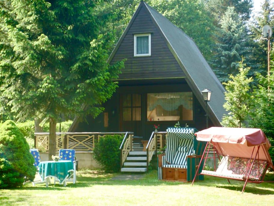 Ferienhaus direkt am see bungalows te huur in neuruppin for Bungalow brandenburg
