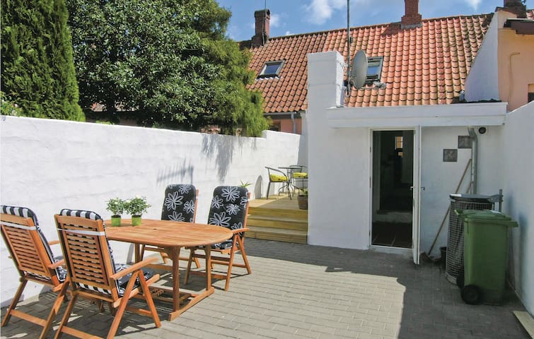 Holiday cottage with 1 bedroom on 90m² in Nexø