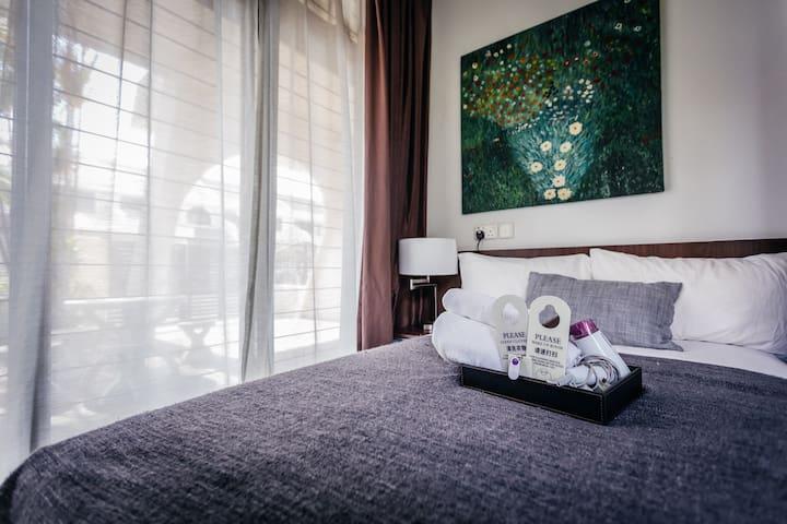 En-suites single room in House near MRT (1)