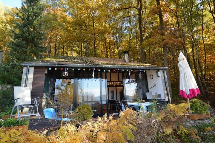 Maison de vacances cosy avec terrasse à Coo