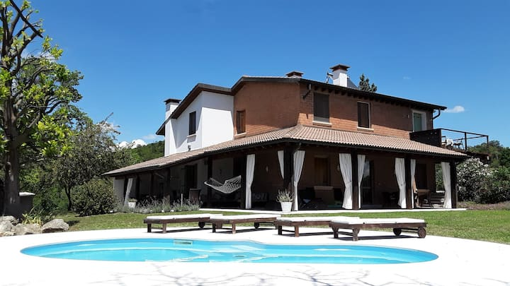 Villa Berici & Private Pool is 1hr Venice & Garda