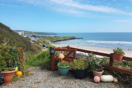 Idyllic Inchydoney beach cottage, wonderful views!