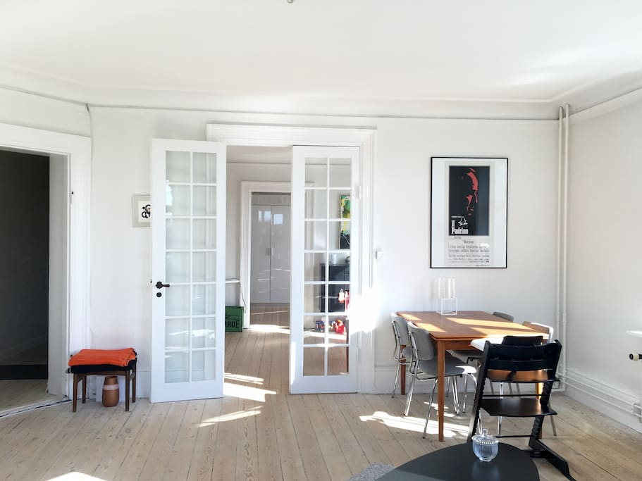 3 rooms en-suite all separated by doors. Access to all three rooms from the hall