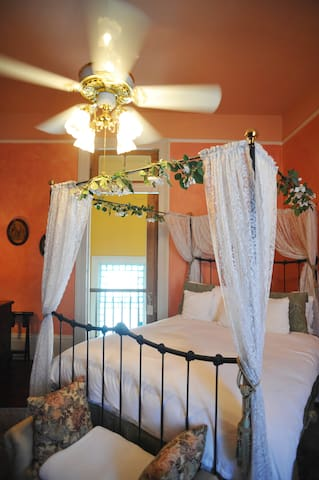 The Bride's Room adjoins both the Solarium Suite and the Groom's Room  and can be used to make a two or three-bedroom suite available.