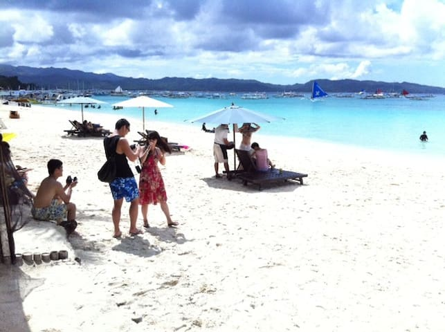 Boracay Station 3 1 min walk to the beach  (rm 2)