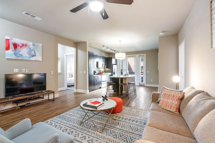 Kasa | Addison | Designer 2BD/2BA Apartment