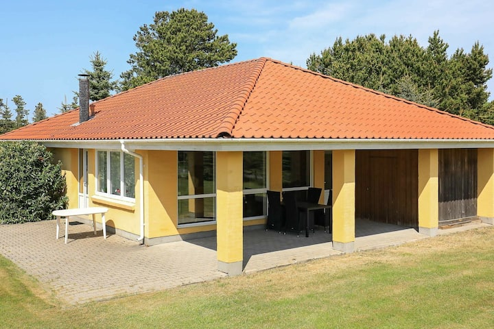 Comfortable Holiday Home in Hals with Whirlpool