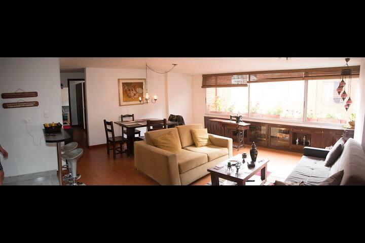 Awesome, Comfy apt next to CANDELARIA n´ City Cent - Bogotá - Apartmen