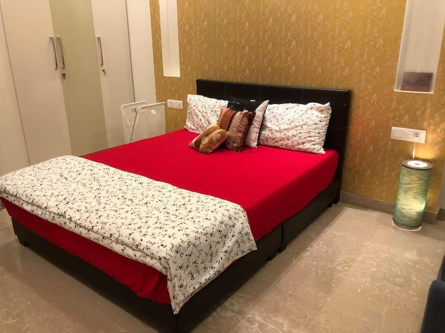 Bedroom 1_02