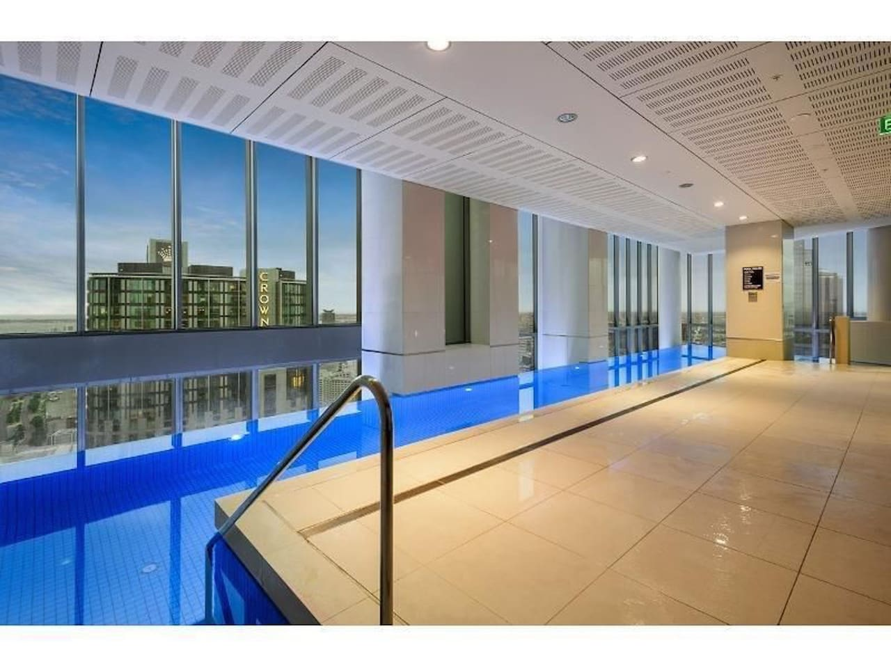 Stunning Infinity Pool and heated Spa overlooking Southbank and Crown Casino on Level 40. Guests enjoy access once inductions are completed