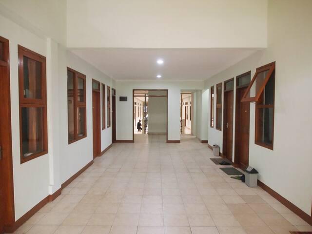CT 195 - budget room