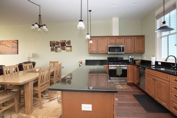 Brand New 2 BR Home near river