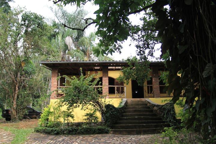 Ótima acomodação no Sítio Toca da Coruja - Ouro Preto - Ξυλόσπιτο