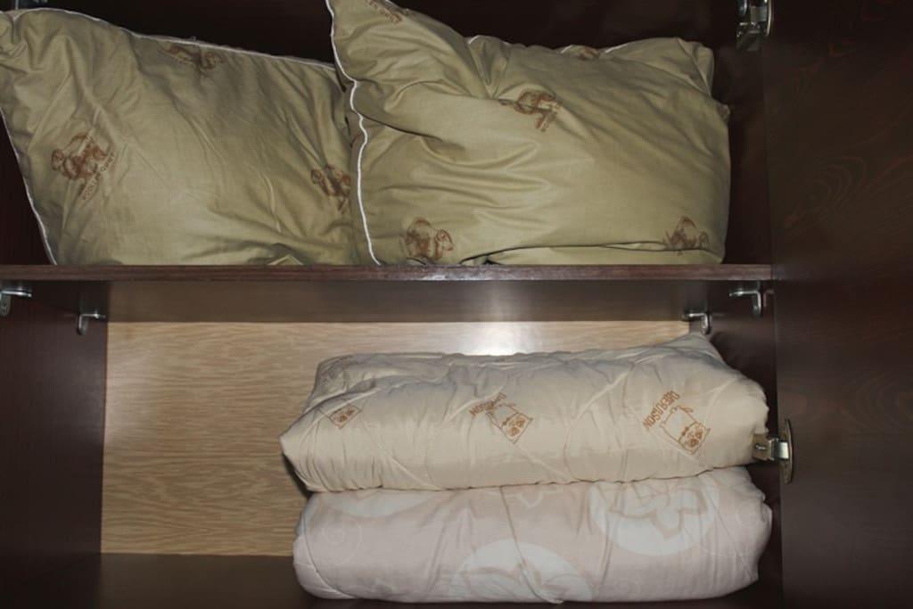 2 подушки и 2 одеяла