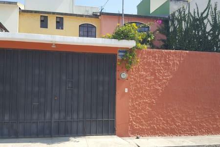 Acogedora casa completa en Quetzaltengo