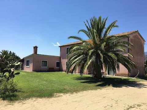 Wonderful Colonial Villa on the Primopino Sea